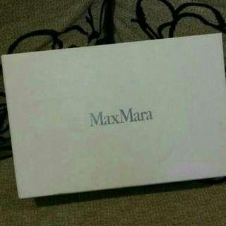 Max Mara 正品。低調奢華,女用長夾全新。
