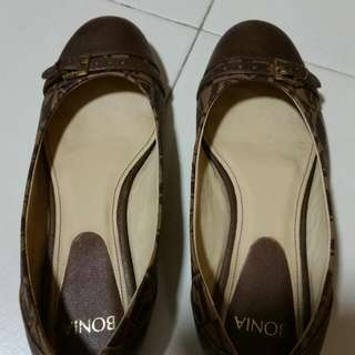 Bonia Shoe