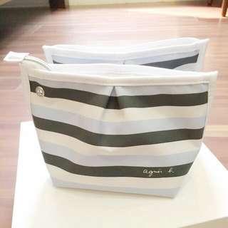Agnes b 聯名國泰航空 商務艙。高質感過夜包、盥洗包、化妝包、萬用包、筆袋)❤️小B粉絲經典收藏❤️編號4仿大包款$259,尺寸:長19、12cm寬12、9,庫存1個。保留中