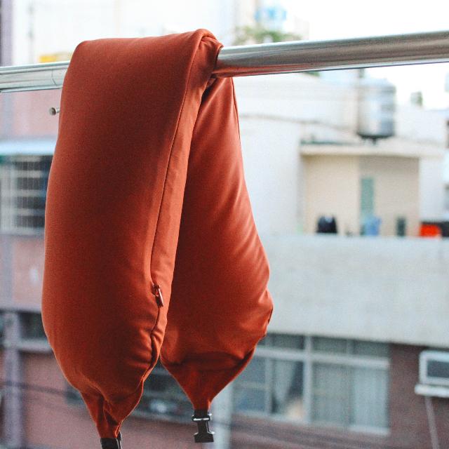 保留。全新 MUJI無印良品 微粒貼身靠枕/橘