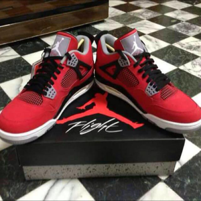 Air Jordan4紅牛