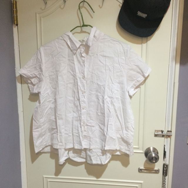 Queen Shop小寬短版白色小可愛襯衫💗