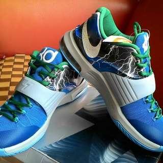 ★nike kd籃球鞋   現貨一雙42碼  香港專櫃購入
