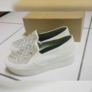 全新 白色鑽厚底鞋