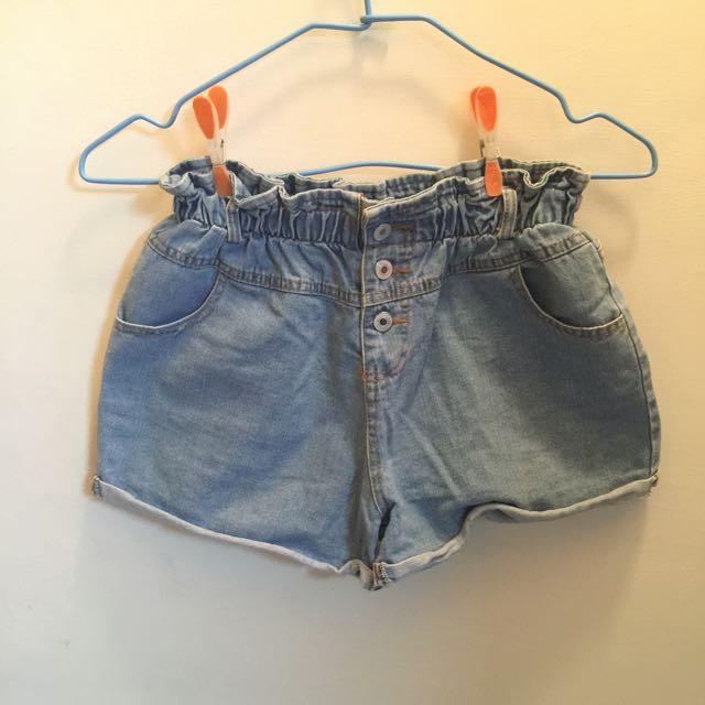 (二手)高腰排扣鬆緊牛仔短褲