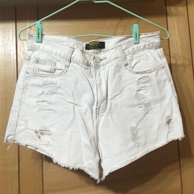 (二手)米白色破短褲