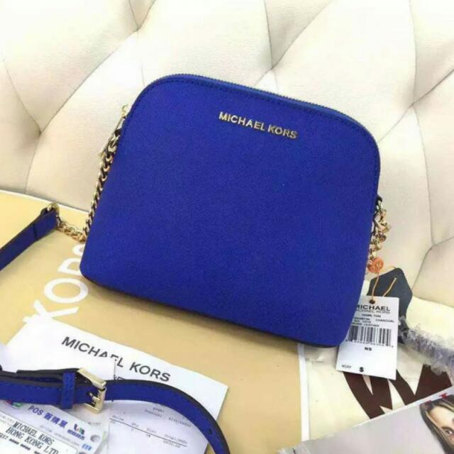 cc51f7a4c4f8 Michael Kors Cindy Large Crossbody (Electric Blue), Luxury on Carousell