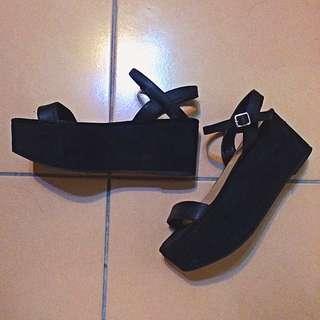 Zara黑色厚底繫踝涼鞋