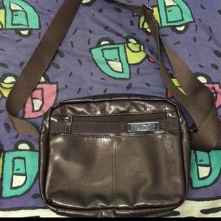 Puma 側背包包