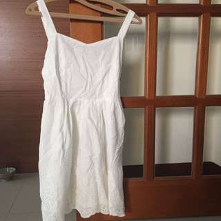 PAZZO典雅白色洋裝