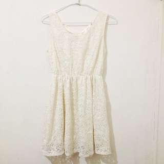 白色蕾絲縮腰無袖洋裝