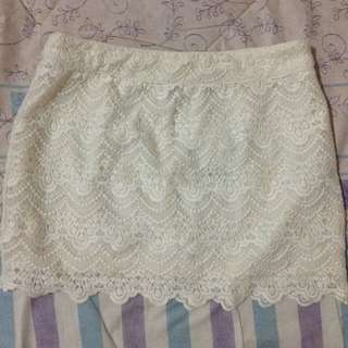 NEW Stradivarius Lace Skirt (still with tag)