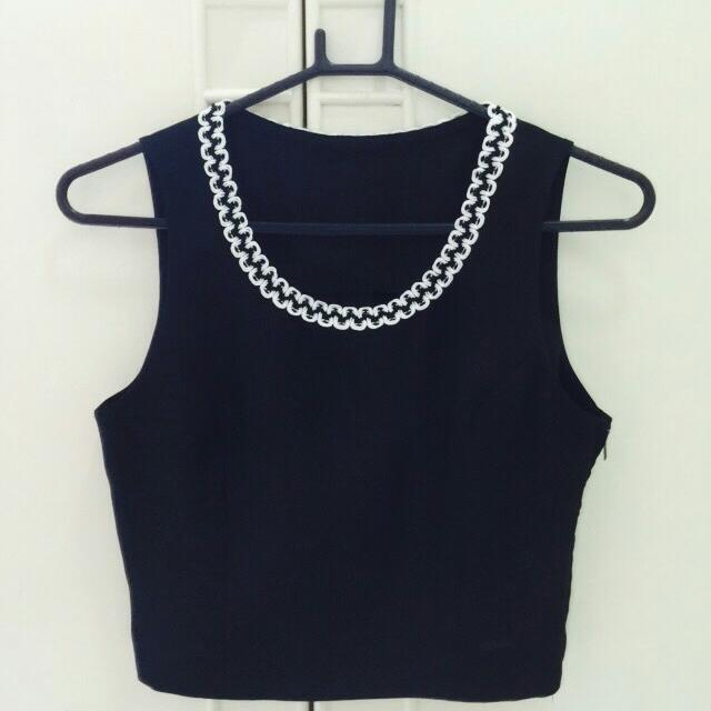 Fashionable Black Crop Top