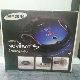 Samsung Navibot S Cleaning Robot