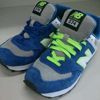 NEW BALANCE 574-寶藍螢綠復古慢跑鞋(女鞋)