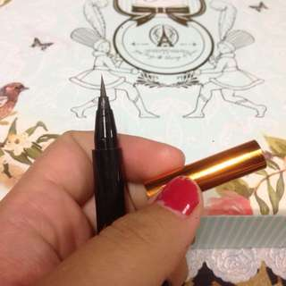 (二手)媚比琳眼線液筆《橘蓋》