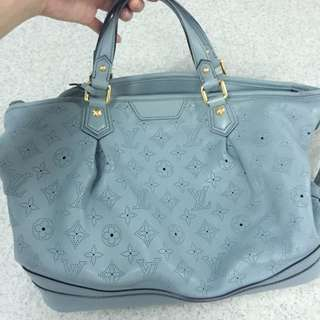 Well Maintained Louis Vuitton Mahina Stellar Pm Bag