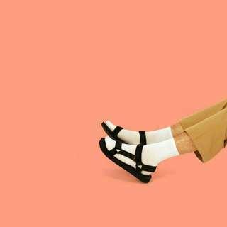:::情侶 teva款三角鏤空織帶涼鞋:::