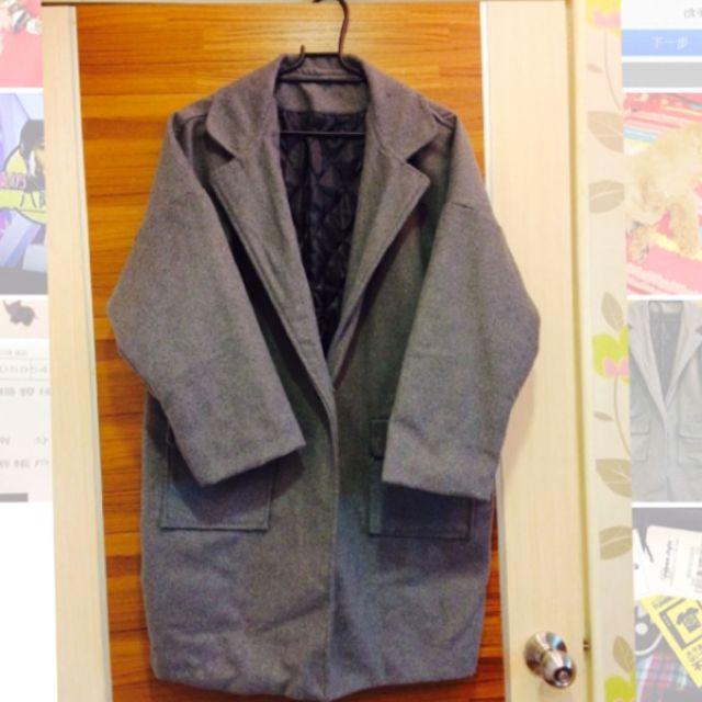 寬版毛料大衣