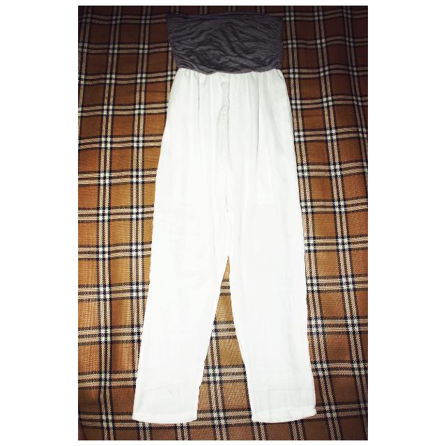 [女裝]白色透膚連身長褲