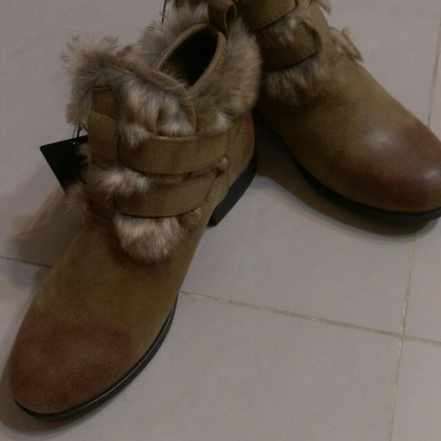 日本帶回 全新 Forever 21毛短靴