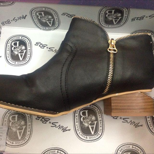 D+af真皮拉鍊黑色特殊低根靴