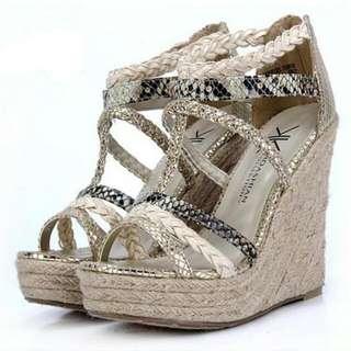 羅馬蛇紋高跟楔形涼鞋