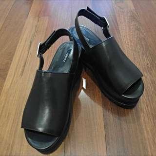 (全新美國帶回)Forever 21黑色厚底鞋