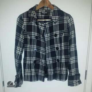 Black And White Sz 8 Coat/Jacket Dangerfield