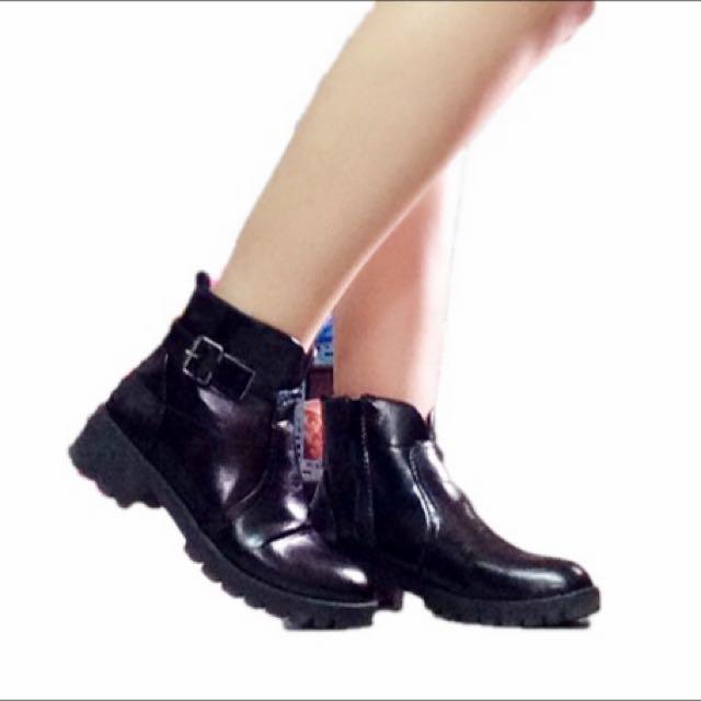 秋冬必備 黑色短靴