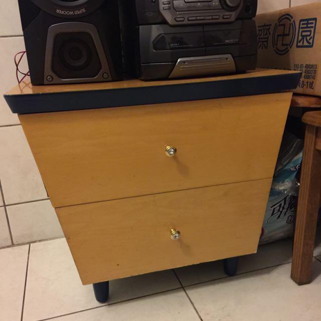 二手 木頭 兩層抽屜櫃子