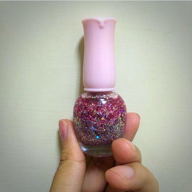 Etude House 粉色亮片指甲油