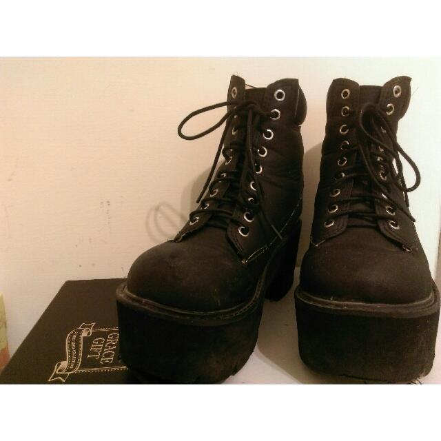 Smooches厚底跟高桶鞋