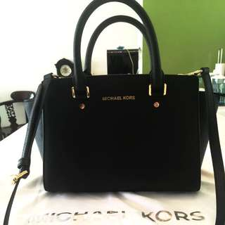 *$230 Michael Kors (MK) In Black