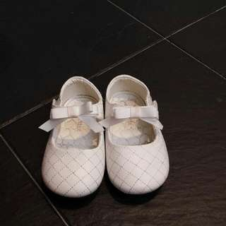 COLETTEE GIRLS SHOES @ SGD 15