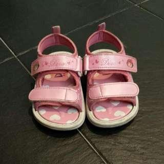 Shoes DORA GIRLS sandals @ Sgd 10