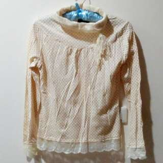 米白點點蕾絲胸蝶結高領長袖上衣
