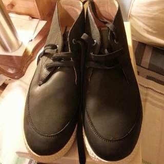 阿瘦全皮男休閒鞋~降價1300就賣,原價3600
