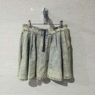 水洗刷色牛仔裙