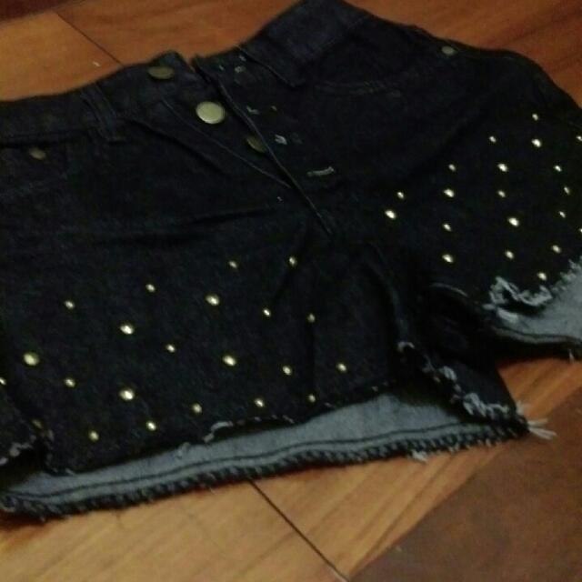 全新👖黑色短褲