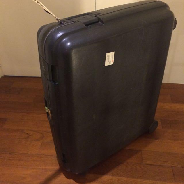 二手絕版Crown行李箱  材質非常耐用耐撞~四鎖扣,好拉