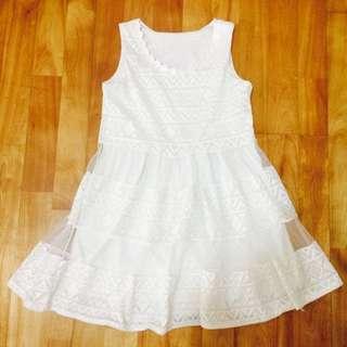 白色小洋裝
