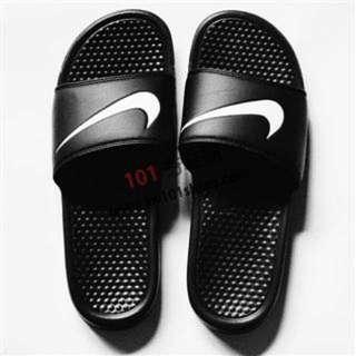 (保留中)正版Nike 拖鞋