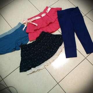 可愛俏麗短裙,藍色緊身褲
