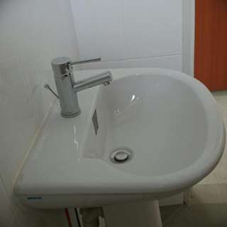 New BTO Toilet Sink And Tap