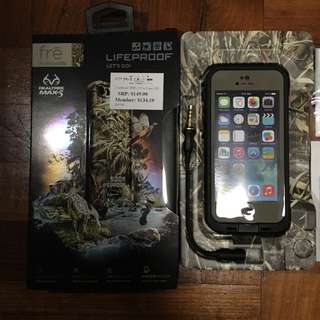 iPhone 5 / 5s Lifeproof Fre Case (reserved)