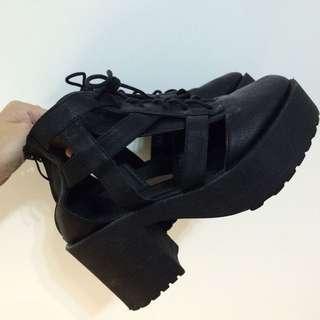 鏤空設計感 厚底鞋