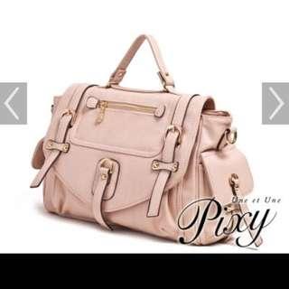 大降價!!!林依晨代言 Pixy粉色雙垂帶口袋書包 9成新