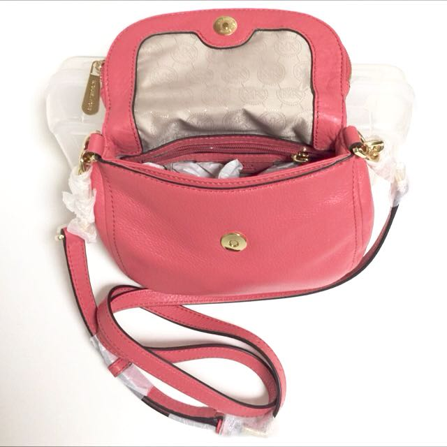 5a4c959c0721 BNWT Authentic Michael Kors Bedford Leather Flap Crossbody In Watermelon