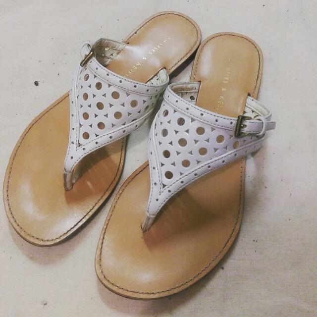 charles & keith/小ck/白色漆皮拖鞋/35號